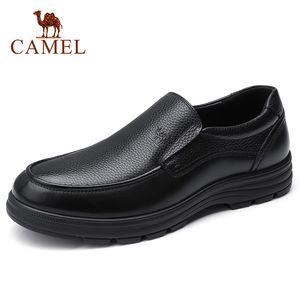 Верблюжье мужская обувь летняя кожаная кожаная мужская деловая повседневная большая кожи головы коровьей косулью папа обувь нескользящая эластичная устойчивая обувь мужчины 210330