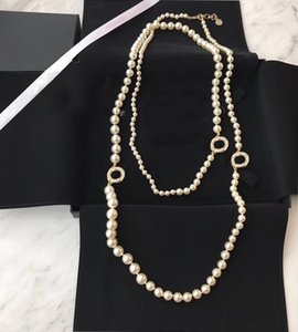 شعبية الأزياء العلامة التجارية اللؤلؤ سترة سلسلة مصمم قلادة للنساء حزب الزفاف المجوهرات الفاخرة للعروس مع مربع