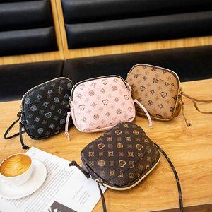 Women Luxurys Designers Bags 2021 Fashion Handbag European and American retro printed shell handbags old flower Shoulder Bag mobile phone zero wallet