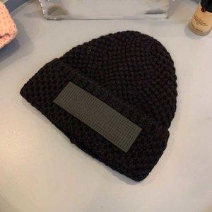 Kadınlar Için Sonbahar Kış Şapkalar Erkekler Marka Tasarımcısı Moda Beanies Skullies Chapeu Caps Pamuk Gorros Toucas de Inverno Macka B160