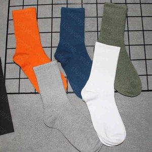 mens socks Wholesale couple Medium sock Colorful letter reflective street sports high for men and women Random 5colors
