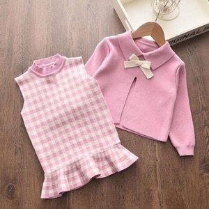Menoea Baby Girl Vêtements d'hiver Vêtements d'hiver Automne Enfants Mignon Bow Sweaters Veste Plaid Robe Filles Ensemble de vêtements élégants pour bébé 2pcs