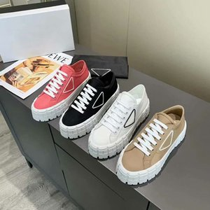 Designer Women Nylon Casual Shoes Gabardine Classic Canvas Sneakers Brand Wheel Lady Stylist Trainers Fashion Platform Solid Heighten Shoe