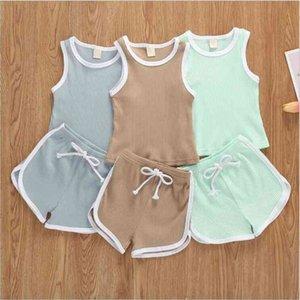Çocuk Tasarımcı Giysi Erkek Yaz Katı Spor Takım Elbise Bebek Çukur Kolsuz Yelek Şort Giyim Setleri Kızlar Yelek Sıcak Pantolon Kıyafetler B7581