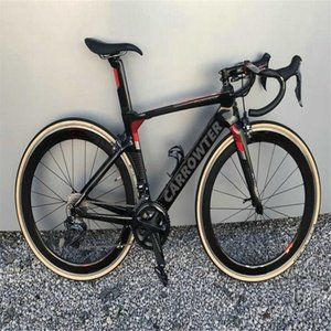 Carrağın Satışı Konsept Siyah Kırmızı Karbon Yol Tam Bisiklet R7010 Groupset 50mm Clinicher Wheelset
