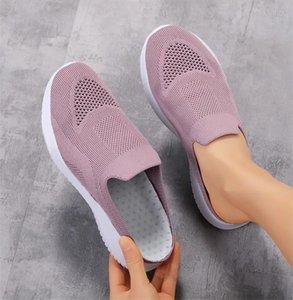 2021 مصمم أزياء نصف السحب الصنادل خفيفة الوزن النعال عبر الحدود المرأة كبيرة الحجم المرأة الأحذية 35-42