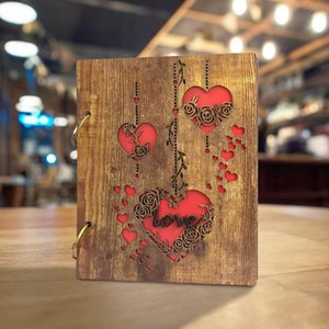 Retro Black Wooden Photo Album Heart and Love Design Wood Cover Photo Albums 120 Pockets For 4x6 Inch Photos 210330