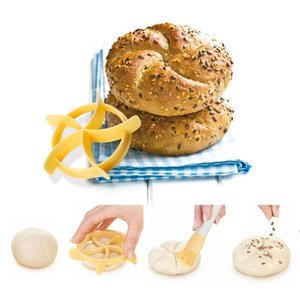 Plastic Bread Biscuits Embossed Mold Handmade Cake Decoration Tools Mold DIY Bread Maker Mold Cutter Kitchen Baking Tools HWE8024