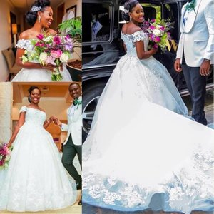 2021 White Lace Wedding Dresses Princess Ball Gown Off The Shoulder Appliqued African Plus Size Bridal Gowns Gorgeous Lady Marriage Dress