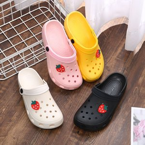 Kadınlar Takunya Ayakkabı Platformu Bahçe Sandalet Karikatür Simge Terlik Bayanlar Plaj Ayakkabı Moda Delik Ayakkabı Açık Kaymaz Slaytlar