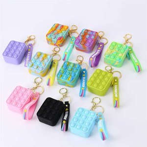 Rainbow Tie Dye Fidget Toys Key Chain Mini Wallet Silicone Push Poppers Bubbles Press Decompression Coin Case Toy Pandents Key Ring G989JWC