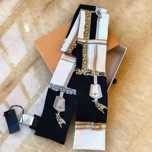 Femmes Silk Cravat Lettre Fleur Modèle de fleur Ascot Girls Bandeau de soie Embouts de soie Headscarf Sac à main Décoration Poisson Printemps 2021