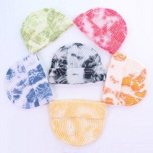 Шапочки мода фана для осенью зимний галстук-краситель ребристая вязаная шляпа мягкая копченая короткая дыня шапки мужчины эластичные