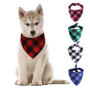 Moda Multi-colorido Grade de Natal única camada Pet Scarf Cão de tamanho médio triângulo Big Acessórios Atacado