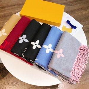 도매 여성 목도리 따뜻한 럭셔리 여성 가을과 겨울 수 놓은 편지 스카프