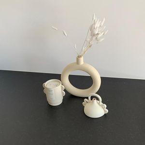 Novelty Items LBER White Ceramic Vase Nordic Minimalism Style Decoration,Modern Geometric Decorative Flower Pot For Home Decor
