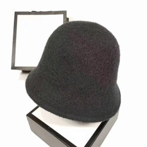 Luxury Knitted Hat Designer beanie men women leisure knitting beanies Parka head cover cap outdoor lovers fashion Autumn winter hats