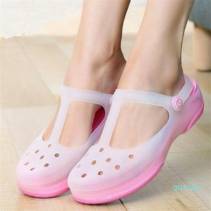 Wome Slip on Sandals Garden Clogs Waterproof Shoes Women Classic Nursing EVA slippers Hospital Women Work Medical nurse Girls Y200520