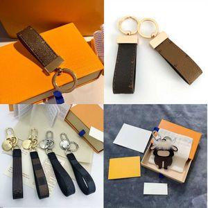 Designer bonito keychain chaveiro chaveiro titular marca designers chaveiros para portpe clave presente homens mulheres bolsa de carro acessórios pingente alta qualtiy com caixa