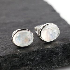 Spring moonlight stone earrings, moonstone ear studs, elongated Shi Baoshi earrings.