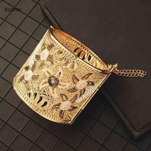 Big Size Gold Cuff Bracelet Enamel Color Hollow Flower Design Ladies Hand Bangles Designer Jewelry Luxury for Bridal 210408