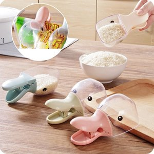 Multifunction Rice Measuring Cup Kitchen Gadgets Cereals Rice Bags Sealing Clip Water Spoon Duck Mouth Shape Plastic Rice Shovel LLE9314