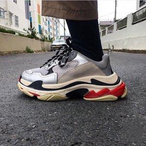 2021 triple men women designer casual dad shoes vintage platform sneakers black paris 17FW luxuries tennis flat trainers jogging walking shoe box size 36-45