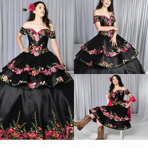 2021 Black Quinceanera Dresses Charro Detachable Skirt Floral Embroidered Off The Shoulder Sweet 16 Dress Mexican Theme Plus Size Gothic