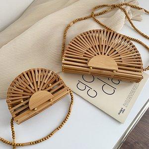 Diseñador 2021 Bolso de lujo de verano para mujer Bolsa de hombro Semicírculo Bambú Woven Bolsa Bolsa de playa Telera de teléfono móvil
