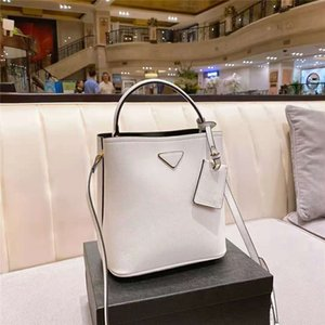 Cowhide Bucket Bag Women Luxurys Designers Bags 2021 Designer Womens Handbags Luxury Crossbody Handbag Large capacity multicolor options Classic Multi-purpose