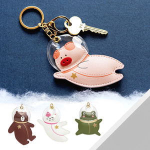 Favor Pilot creative personality keychain pendant luxury leather auto keychains cute cartoon bag hanging small gifts