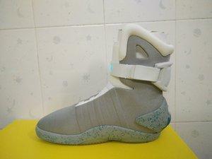 Retour à la future chaussures d'hommes non automatique