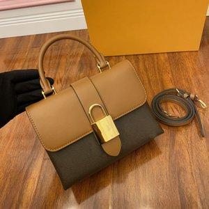 록키 BB 핸드백 Luxurys 디자이너 가방 작은 토트 어깨 가방 크로스 바디 핸드백 지갑 M44141