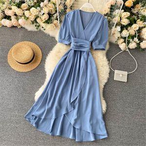 Женщины Летние платья MIDI Французское платье 2021 Сладкий V-образным вырезом Славным рукавом Высокая Талия Элегантная Сплошная Женщина Женская Одежда Женщины Купальники