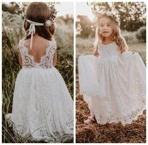 White Flower Girls Dresse Long Sleeves Lace First Communion Dresses V Back Open Vintage Lovely Kids Formal Wear 2020 Chic Dress