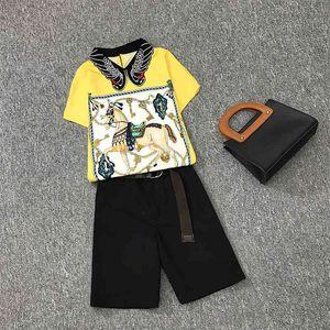 TrackSuits 2021 avec ceinture Plus Taille Summer Summer Casual Sets Vintage Imprimer Dames Nice Blouses à manches courtes + Courts Pantalons