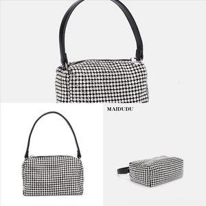 Hakum Top Designer- Banda femminile francese Niche Dener Black Black Luxury Borsa Borsa Popolare New Fashion All-Match Messenger Handbag Moda