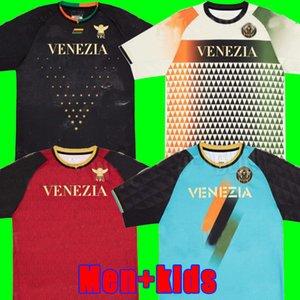 21 22 Venezia FC Futebol Jerseys Home Aramu Forte Fiordilino Peretz Heymans Tessmann CRNigoi 2021 2022 Mariano Johnsen Mazzocchi Camisas de futebol dos homens conjuntos