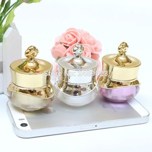 Wholesale Makeup 100pcs 5g Pearl White Purple Gold Upscale Crown Mini Cream Bottle Acrylic Cosmetic Containers Sample Jar Storage Bottles &