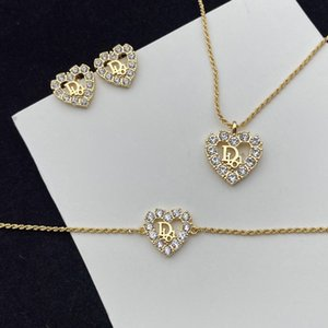 Design jewelry full diamond Peach Heart Jewelry Set Necklace Bracelet Earrings with the same temperament of street shooting idol