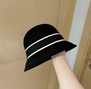 Designer Cloche Hat Bucket Hats Wool Winter Festival Caps Fashion Casual Cap for Women Black