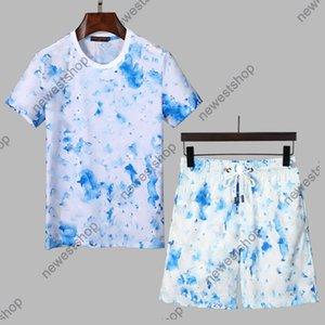 2021 new Designer Tracksuits Sets Mens Classic letter Print Running Suits T-Shirt Fashion Graffiti print Short Sleeve Sportswear shirt M-XXXL