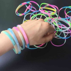 30PCS Pack Colorful Charm Silicone Bracelets Wedding Guests Gifts Baby Shower Kids Birthday Party Favors Wrist Decorate Supplies Y0329