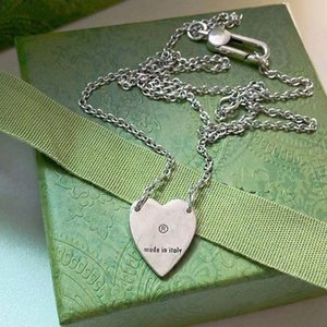 European and American fashion style necklace ladies 316L titanium steel lettering silver enamel with single heart pendant 8 styles