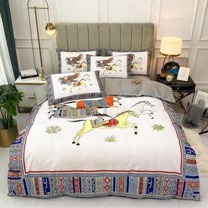 Luxury White Horse Impresión Lycra Algodón Conjunto de ropa de cama Soft Silky Queen King Size Funda de edredón Hoja de cama Hoja de cama Casas de almohadas para el hogar Conjuntos de textiles
