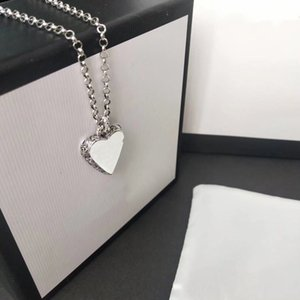 Vintage Heart Pendant Necklace High Quality Silver Plated Necklace Pattern for Couple Necklace Fashion Jewelry Supply