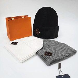 Fashion Hat Beanie Hats Leisure Cold-resistant Design for Man Woman Cap 6 Colors Simplicity Top Quality
