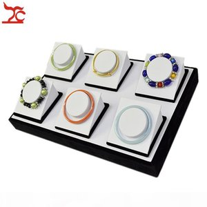Retail Jewelry Display Counter Black And White Flat Tray With 6pcs Bangle Bracelet Chain Jewelry Organizer Stand