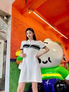 Marka Kadınlar Elbise Polo T Gömlek 21ss Örme Etek Yan Yarık Tasarım Klasik Çiçek Baskı Boyutu SML