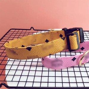 Baskılı Klasik Pet Mektubu Yaka Bahar Güz Son Tasarımcı Schnauzer Tasmalar Açık Lüks PU Bulldog Yaka Tasmalar